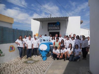 """Volkswagen Autoeuropa em acção solidária: Voluntários embelezam infantário """"O Rouxinol"""""""