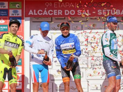 Milhares de pessoas recebem Volta a Portugal em Bicicleta em Setúbal