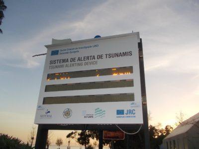 Alerta de tsunami em Setúbal:  Sistema encalha em Albarquel